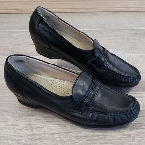 SAS Black Leather Tripad Comfort Loafers